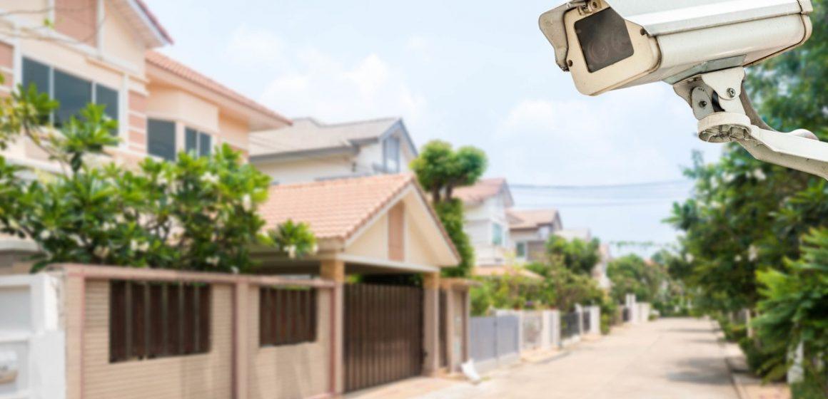 kamera na budynku