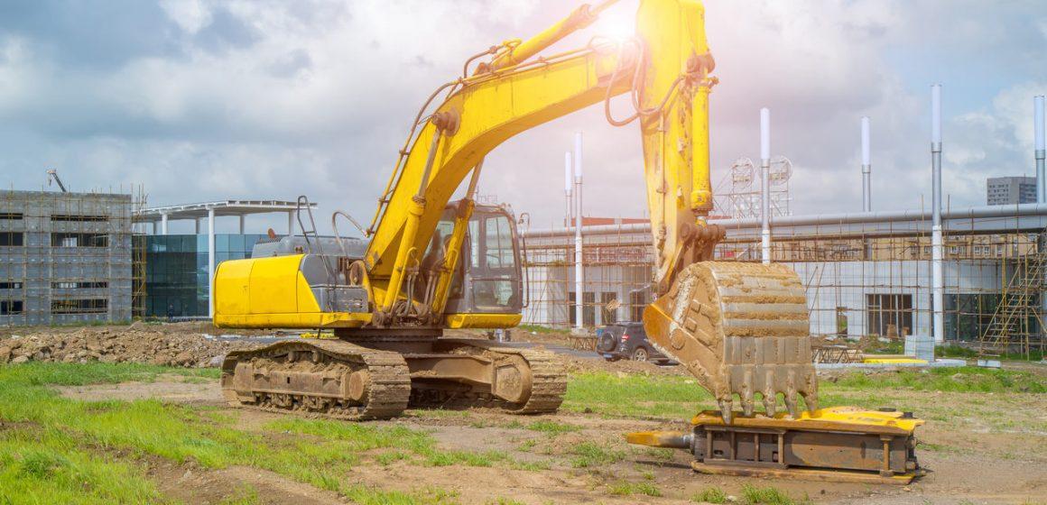 koparka na budowie