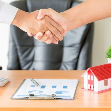 Umowa kupna – sprzedaży mieszkania, co powinna zawierać?