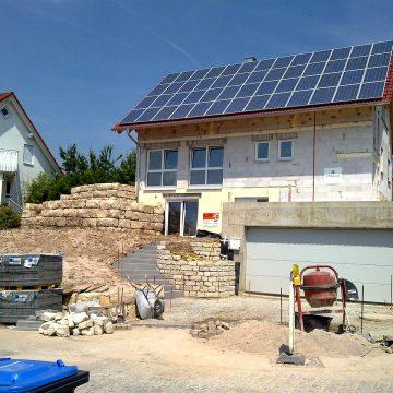 Pierwszy w Polsce dom z dachem solarnym powstał w Łodzi
