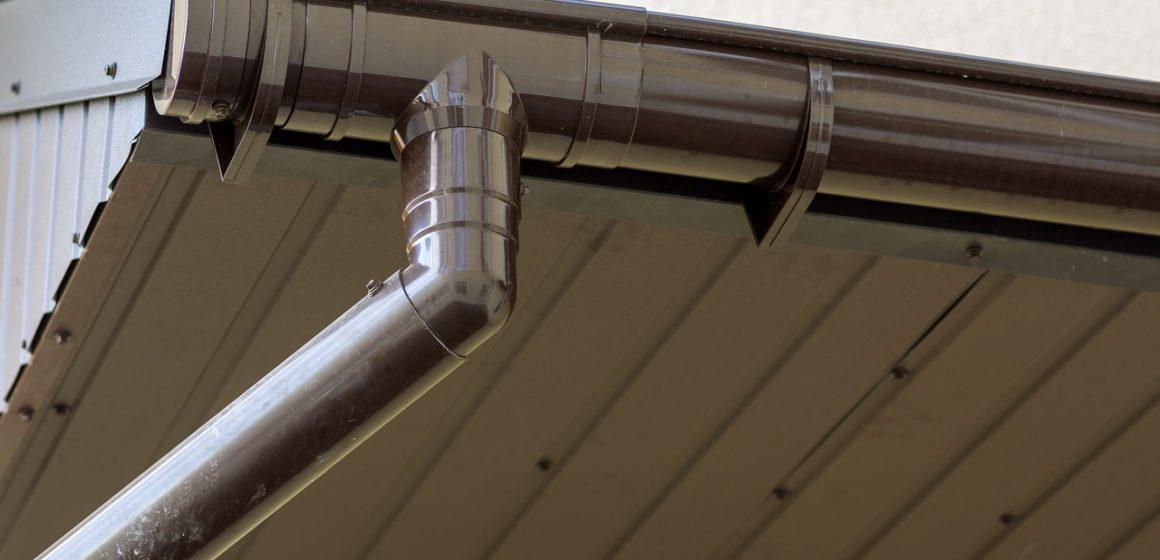 rynny na dachu z PCV