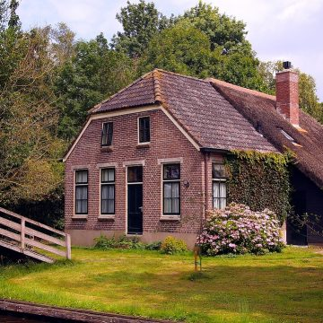 Zakup domu na wsi. Wady i zalety
